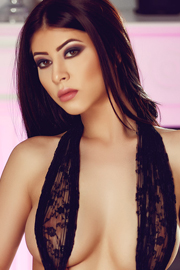 London Escort Girl Piccadilly Circus Brunette
